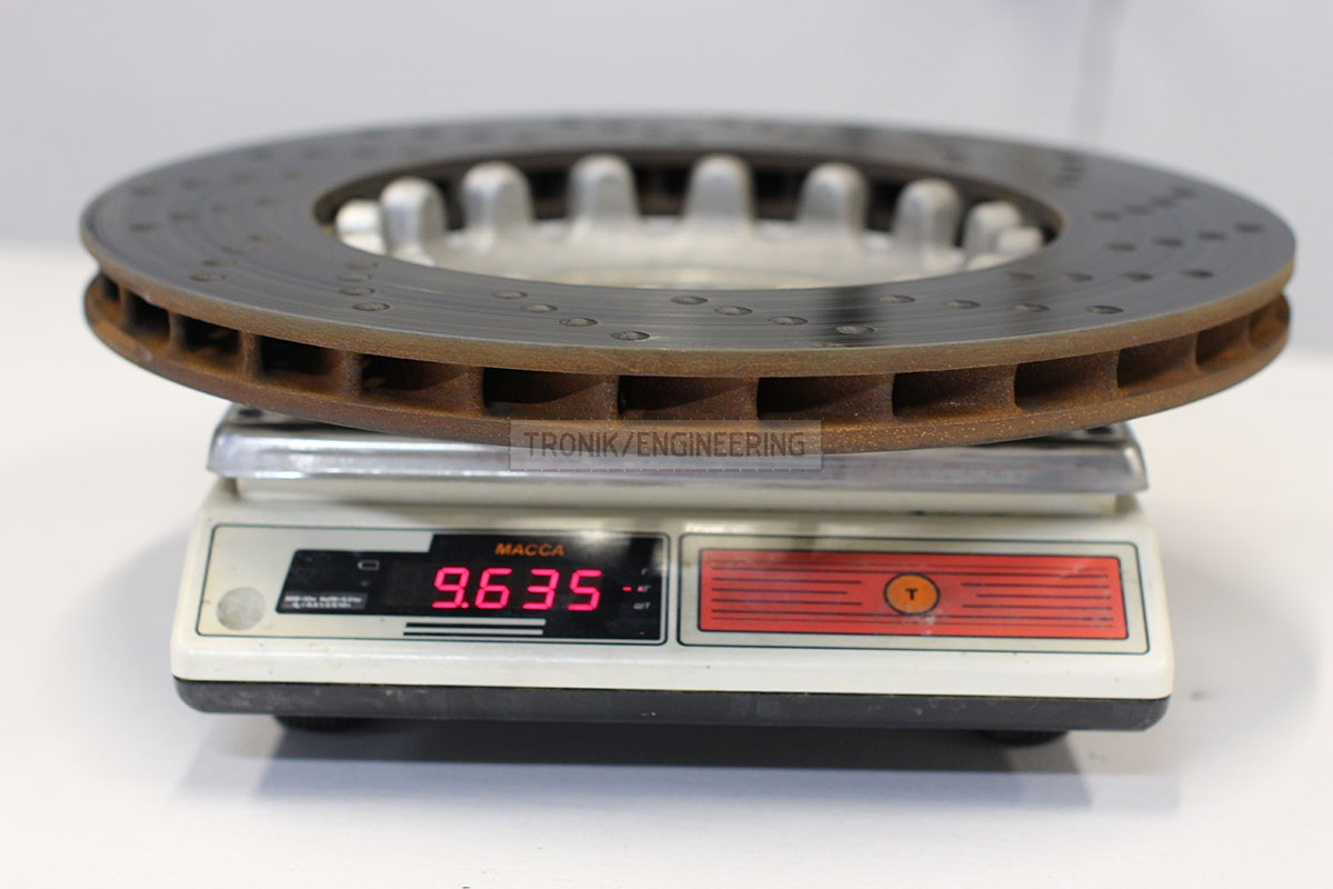Weight of rear iron rotor BMW M5 F90 is 9 635g