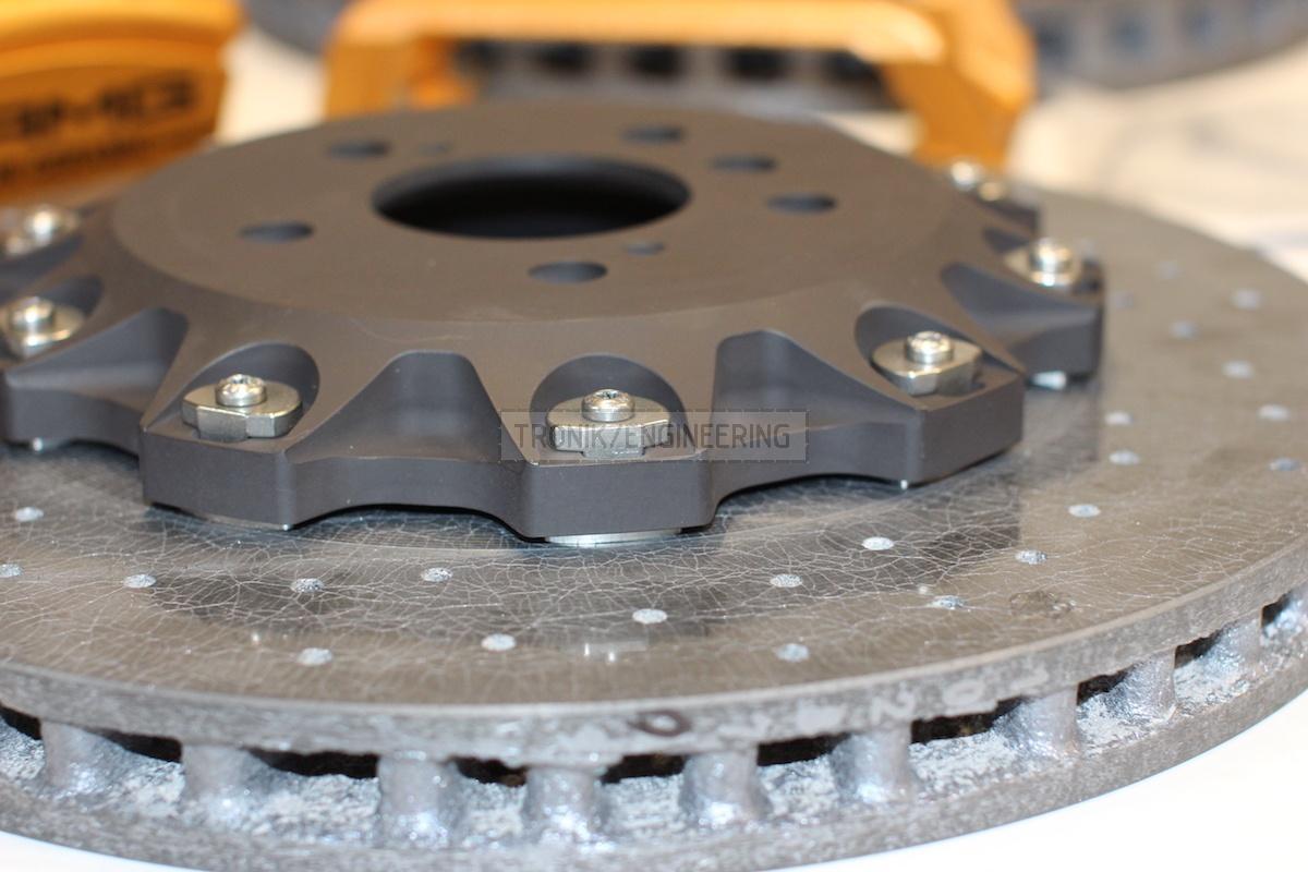 back carbon-ceramic disc pic 3