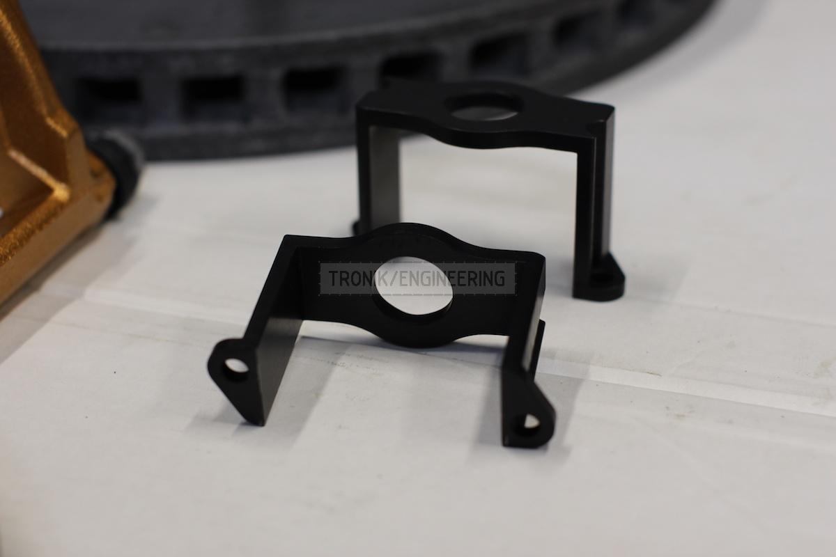 clamping bracket of parking brakes servo pic 2