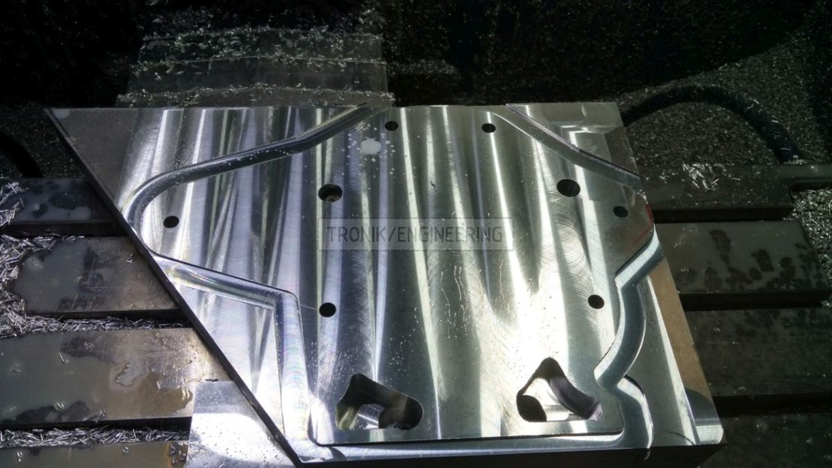 VMC reducer lid production for Quaife lock diff on Mercedes Benz W124 E60 AMG pic2