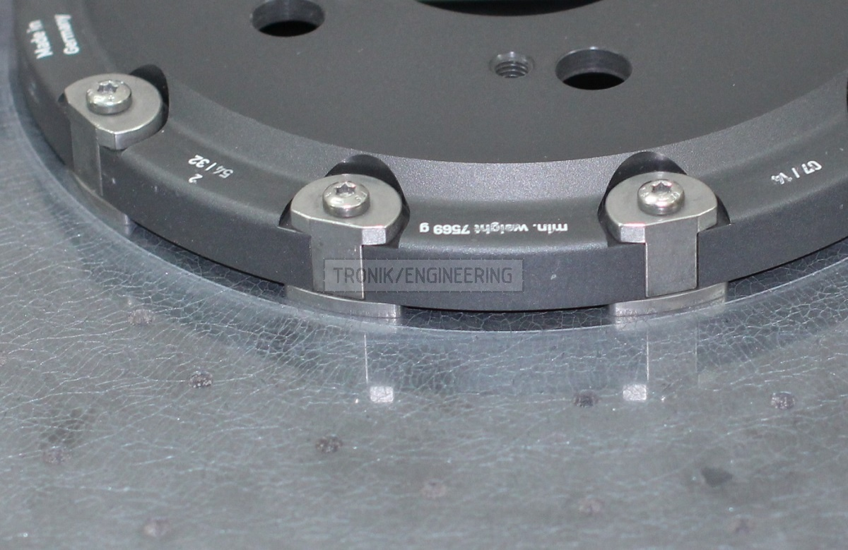 carbon ceramic brake rotor MB E212 AMG minimum weight marked on hat