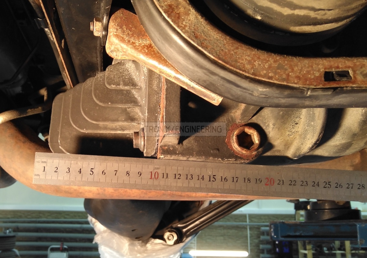 measuring reducer lid dimentions Mercedes Benz W124 E60 AMG Pic4