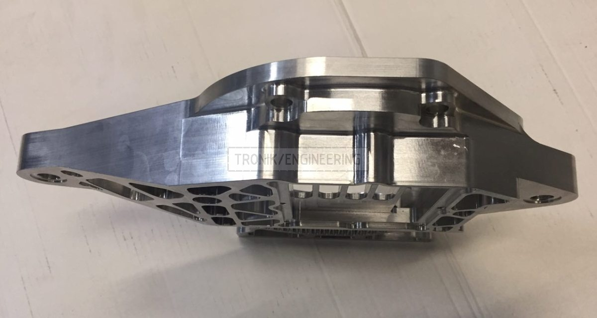 reducer lid for Quaife lock diff on Mercedes Benz W124 E60 AMG pic2