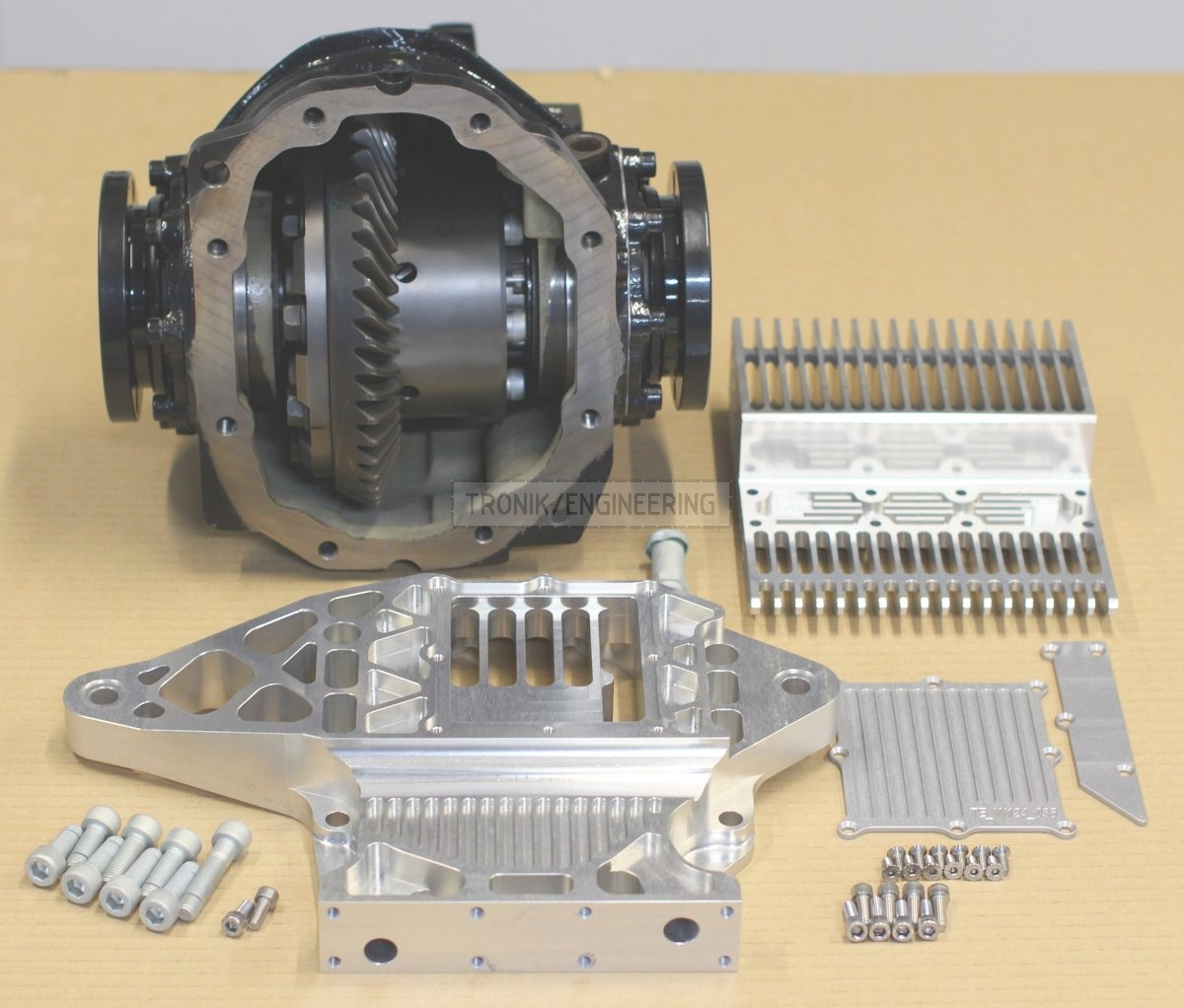 reducer w/ Quaife diff lock & set of parts to cool reducer on Mercedes Benz W124 E60 AMG pic4