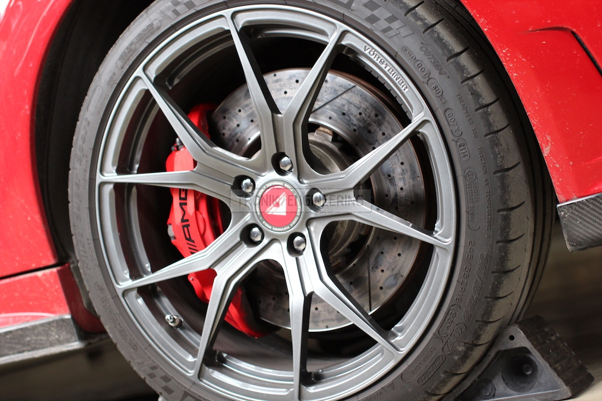 standard front axle brake system C63AMG W204 pic3