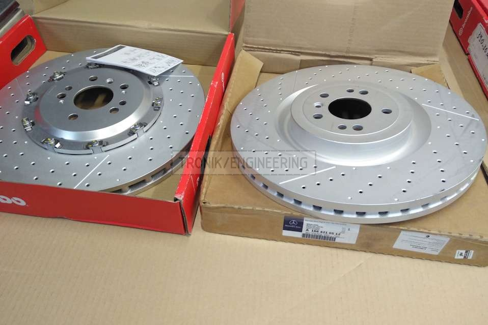 Modified Brembo rotor (left) & original rotor (right) for Mercedes Benz W166 63 AMG