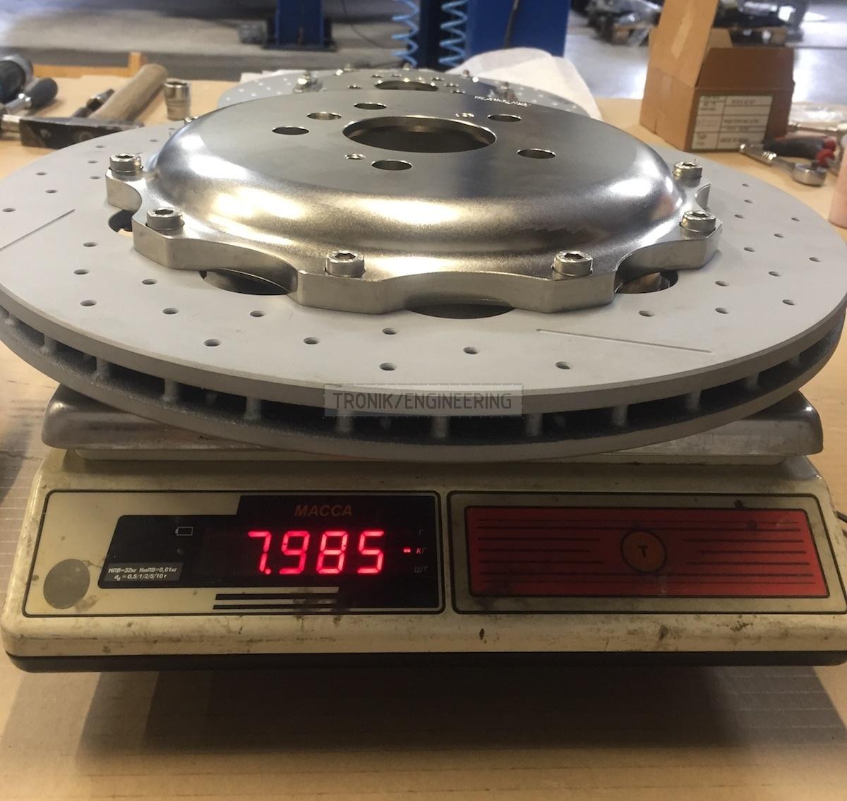 rear brake rotor 370-24 is 8kg