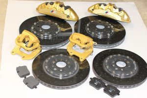 Carbon-ceramic brakes for BMW M5 F90. Photo 1