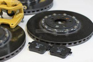 Carbon-ceramic brakes for BMW M5 F90. Photo 3