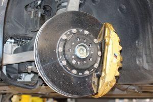 Front carbon-ceramic brakes BMW M5 F90. Photo 1