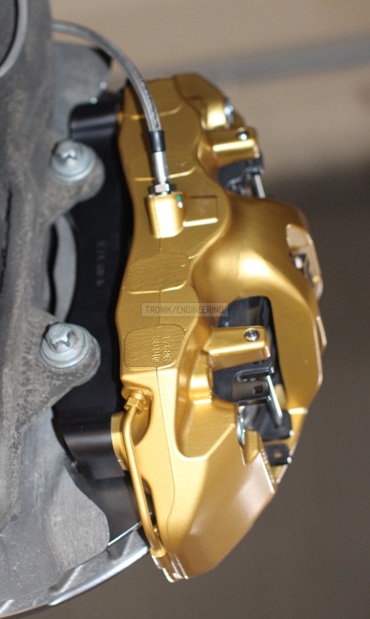golden Brembo caliper pic2