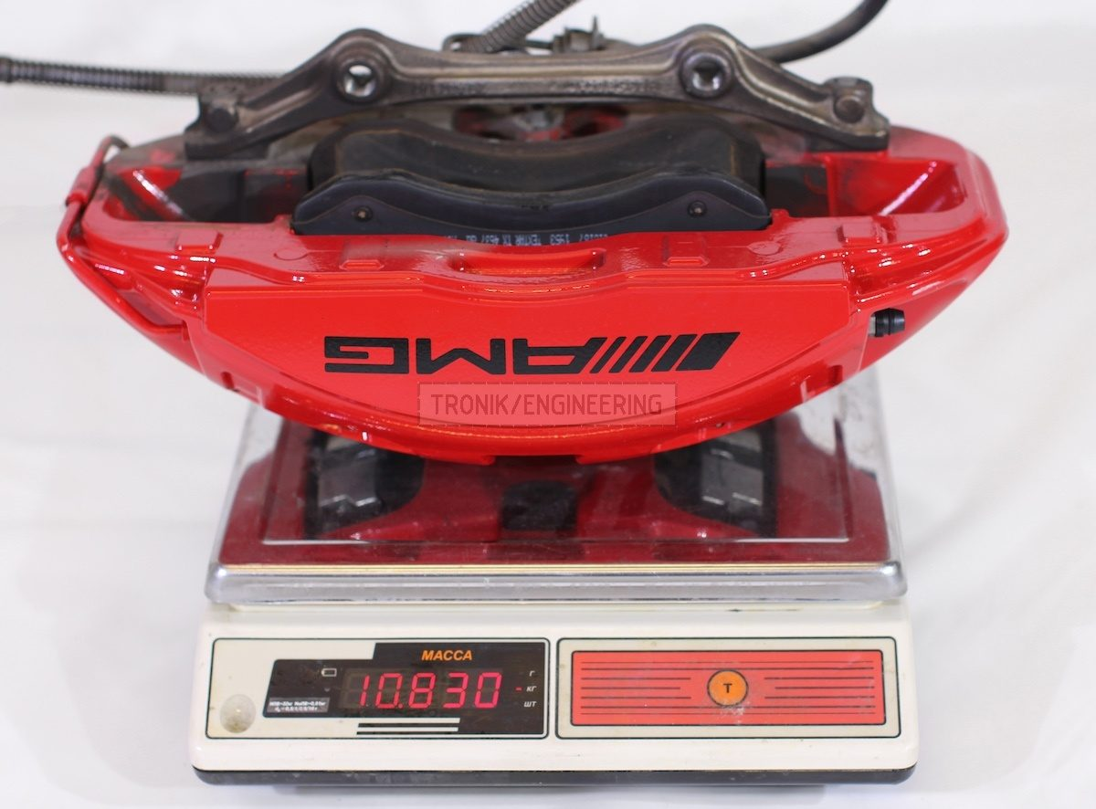 standard front AMG caliper with brake pads