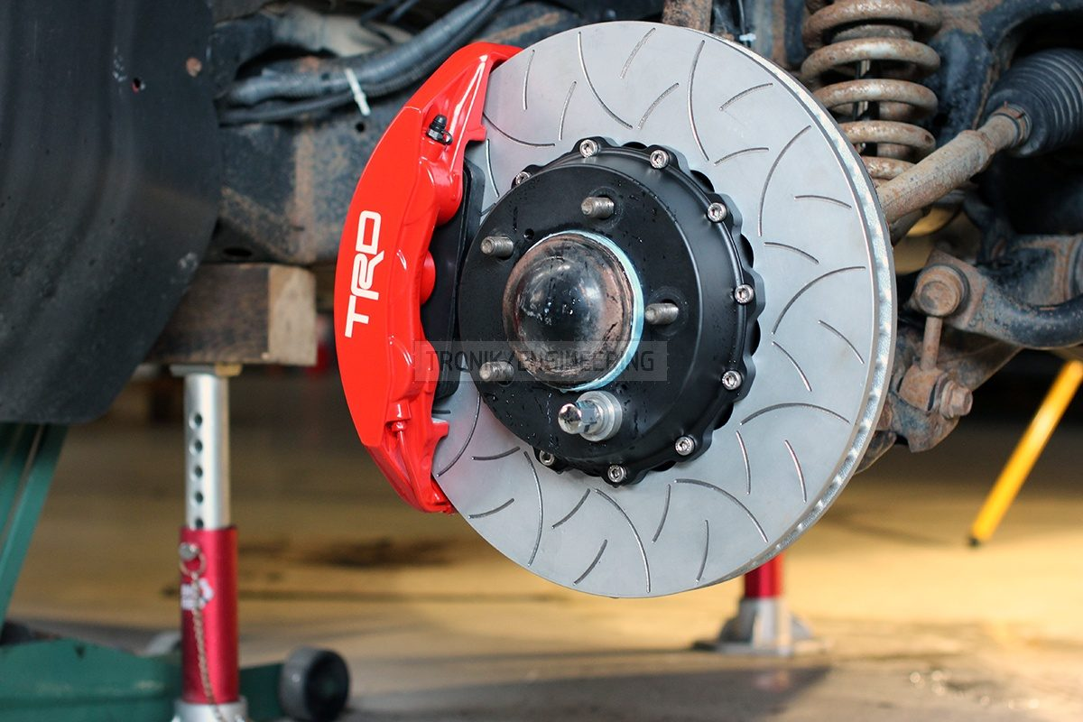 front axle brake system pic 2