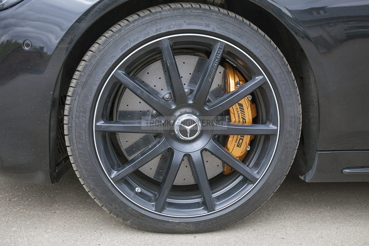 installed carbon ceramic brake system Mercedes W222 S63AMG pic 3
