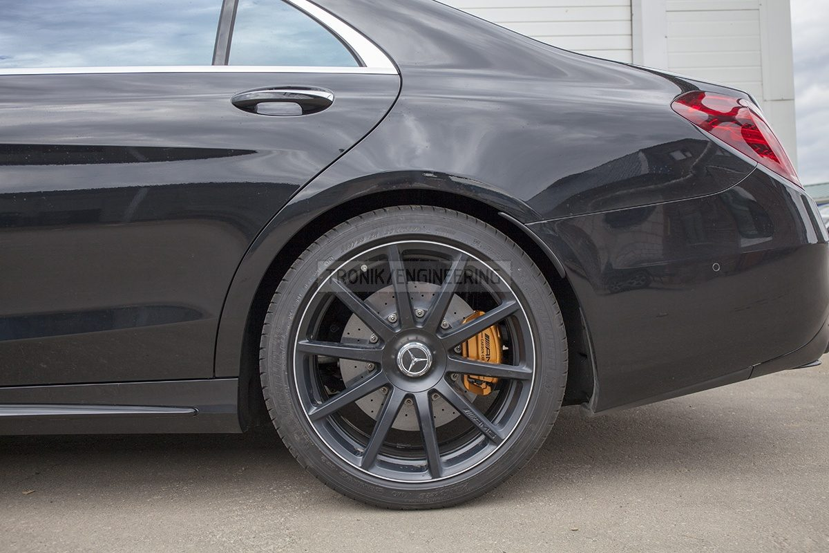 installed carbon ceramic brake system Mercedes W222 S63AMG pic 4