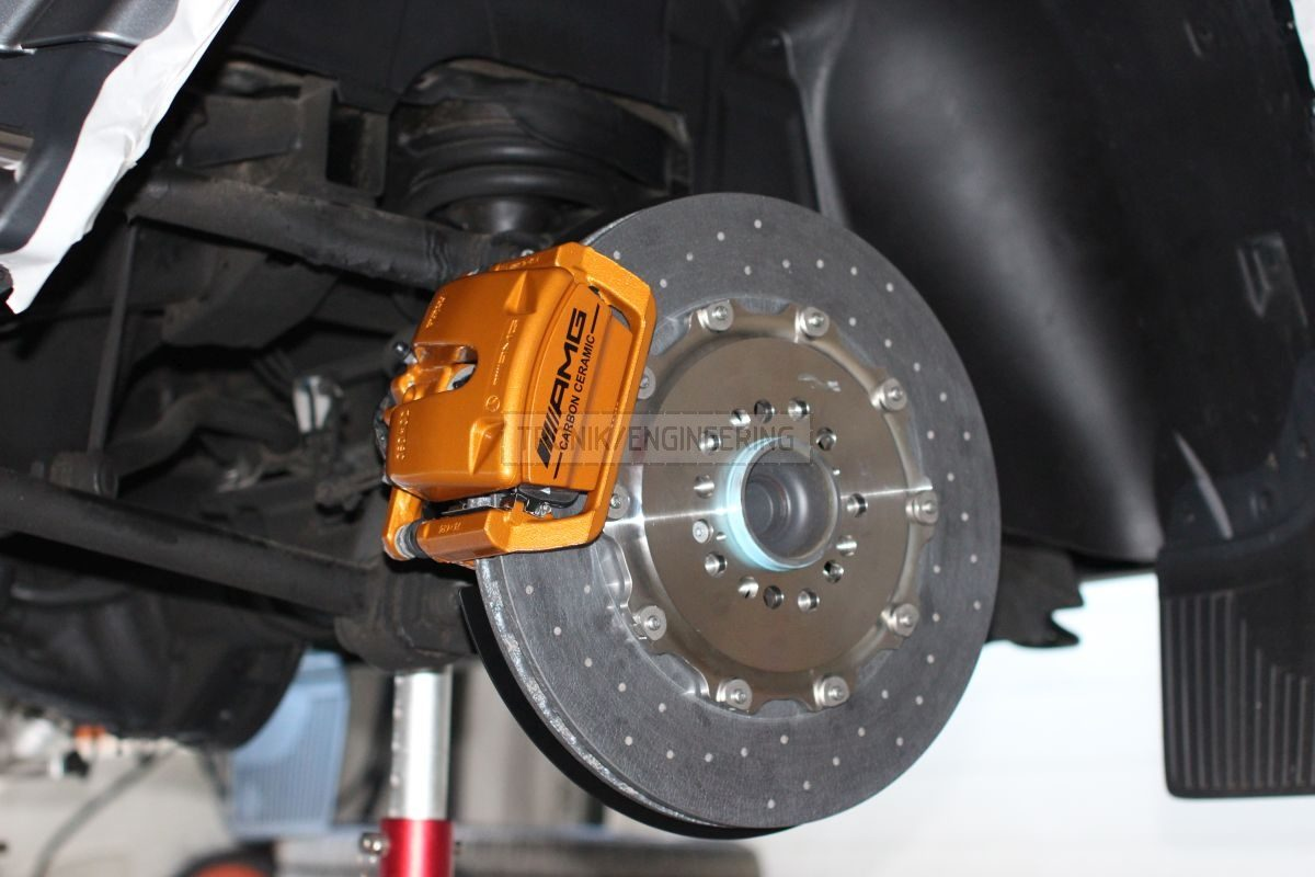 rear axle carbon ceramic brake system- brake rotor 410/32 & floating single pot AMG caliper